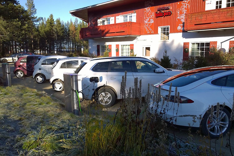 Levis Auto Sales >> Sahkoautojen Latauspiste Levi Center Hullu Poro