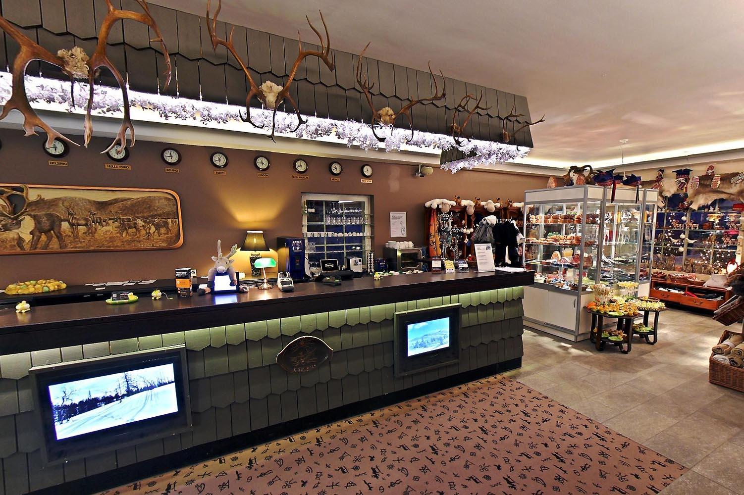 http://www.hulluporo.fi/wp-content/uploads/2014/12/Hotel-HulluPoro-reception-shop.jpg